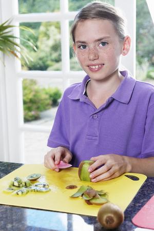 moles: Child preparing food LANG_EVOIMAGES