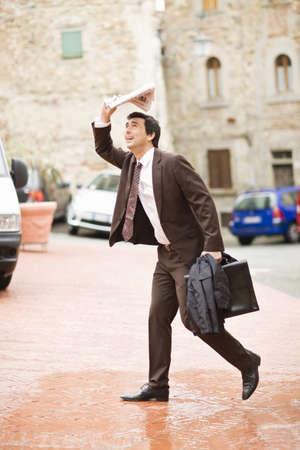 drizzling rain: Business Toscana