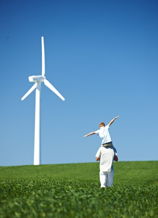 planos electricos: Farther and son,field,wind turbine