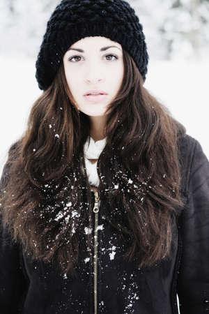 messy clothes: Winter Portrait LANG_EVOIMAGES