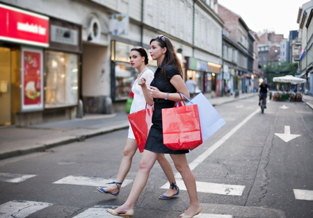 intersecting: Young women shopping