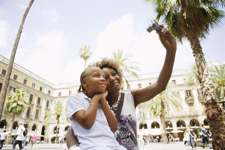 sightseers: Mother taking a picture