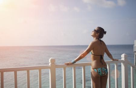 baranda para balcon: Woman on vacation