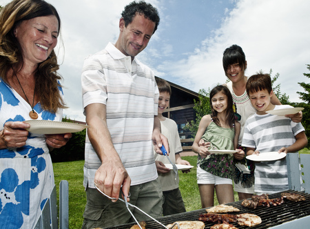 egglayer: Family queueing for barbeque LANG_EVOIMAGES