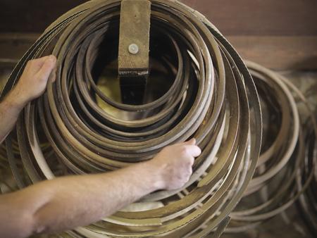 ahorcada: Worker with barrel parts in cooperage