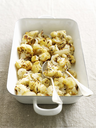 cooking implement: Dish of roasted cauliflower LANG_EVOIMAGES