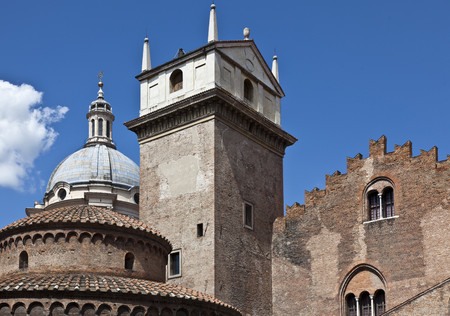 journeying: Orange dome and towers against blue sky LANG_EVOIMAGES