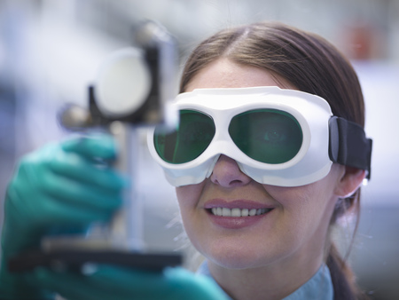 Close up of scientist wearing goggles LANG_EVOIMAGES