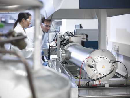 rd: Scientist using equipment in lab