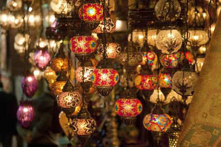 ahorcada: Traditional lamps at the grand bazaar, Istanbul, Turkey