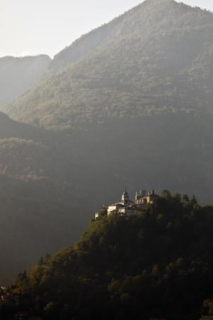 histories: Castle built on rural hilltop LANG_EVOIMAGES