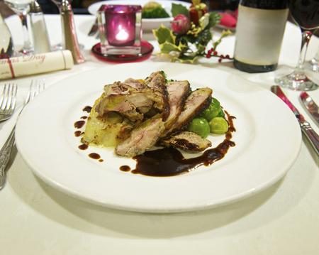 lavishly: Table laid for Christmas dinner