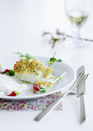 crusted: Plate of crusted fish LANG_EVOIMAGES