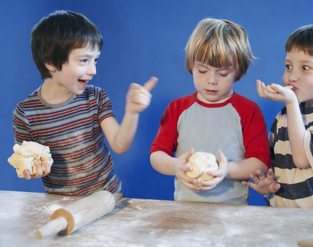 mischeif: Boys playing with dough LANG_EVOIMAGES