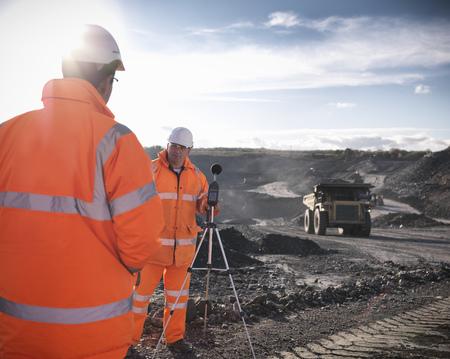 通信: Ecologists listening to coal mine