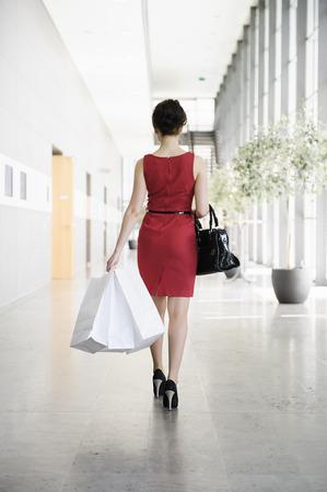 commodities: Mujer de negocios, caminando, vestíbulo