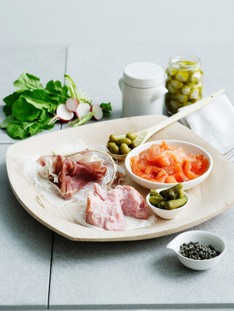 Selection of cured meats and pickles LANG_EVOIMAGES