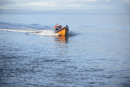teaches: Rescue boat training in open water