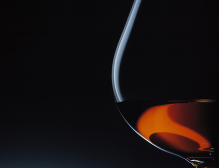 close up food: Close up of glass of brandy LANG_EVOIMAGES