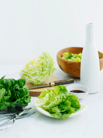 impulsive: Selection of lettuces with balsamic vinegar and olive oil LANG_EVOIMAGES