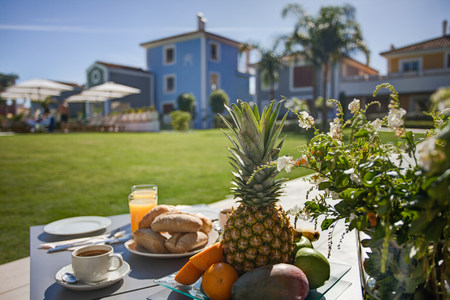 Breakfast at holiday resort LANG_EVOIMAGES
