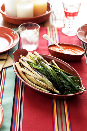 spanish home: Grilled leeks with spicy sauce