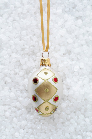 wintry weather: Oval bauble with red jewels