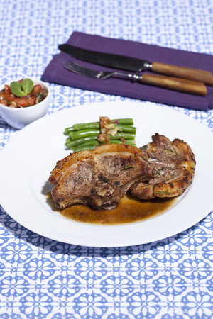 Plate of lamb chops and asparagus