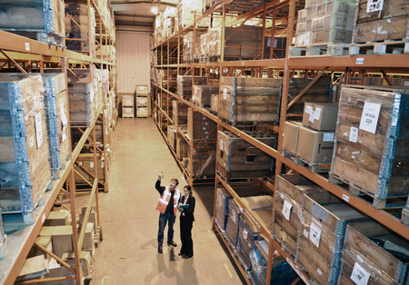 check ups: Worker and supervisor in warehouse LANG_EVOIMAGES