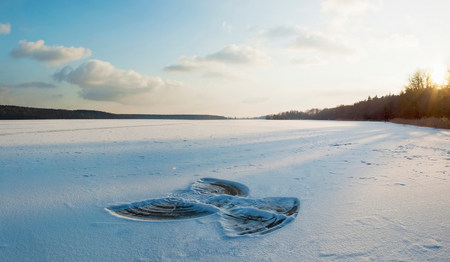 pastoral scenery: Snow angel LANG_EVOIMAGES