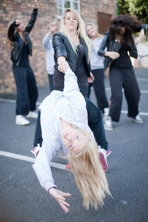 differential: Girls dancing in carpark
