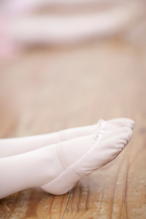 panty hose: Close up of young ballerinas feet pointing LANG_EVOIMAGES