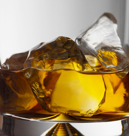 Brandy on the rocks LANG_EVOIMAGES