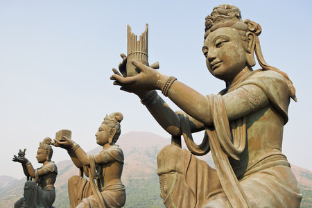 Statues near tian tan buddha LANG_EVOIMAGES