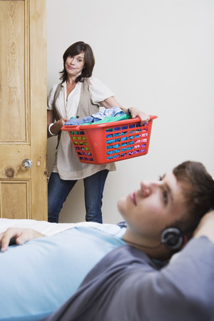 uninterested: Mother unimpressed with her son