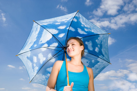 18 year old: Young woman with umbrella LANG_EVOIMAGES
