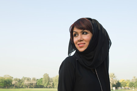 Portrait of a woman wearing a hijab LANG_EVOIMAGES