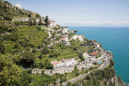 travel features: Postiano