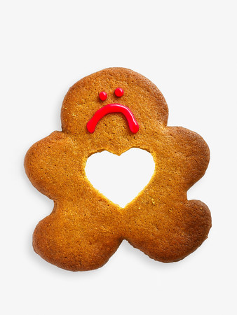 frowns: Gingerbread man with missing heart LANG_EVOIMAGES