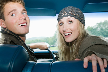 16 to 17 years old: Young couple in car
