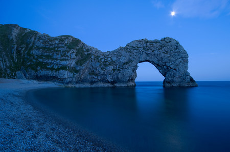 Durdle door in dorset at dusk LANG_EVOIMAGES