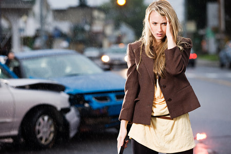 collisions: Young woman who has been in an accident LANG_EVOIMAGES