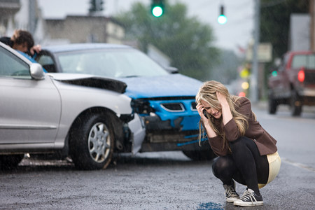 Young woman involved in road accident LANG_EVOIMAGES