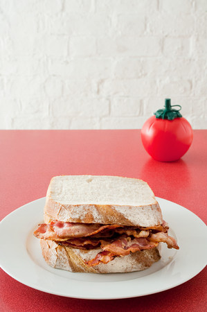 unhealthiness: Bacon sandwich LANG_EVOIMAGES