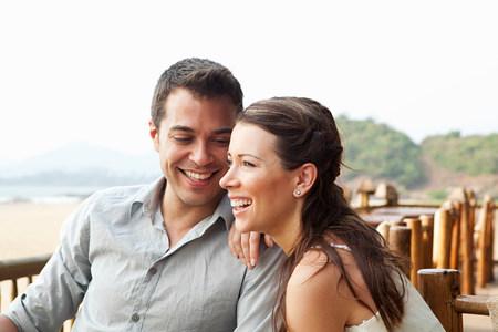 honeymooner: Couple at beach bar
