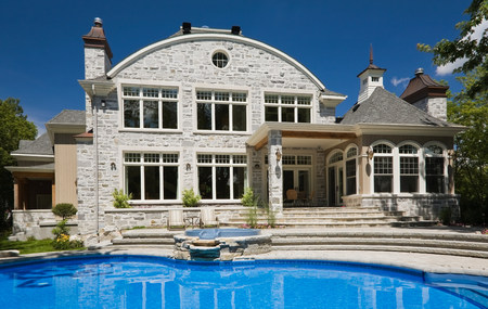 Large house with swimming pool LANG_EVOIMAGES
