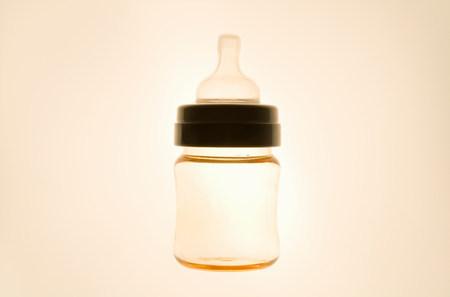 Backlit baby bottle LANG_EVOIMAGES