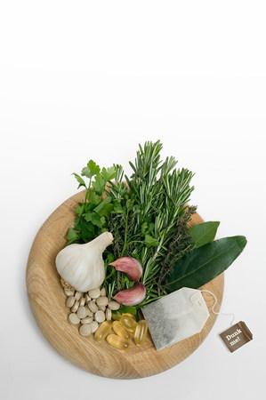 Herbal medicine LANG_EVOIMAGES