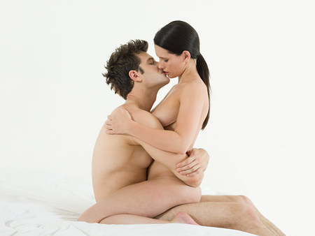 nackter junge: Young couple making love