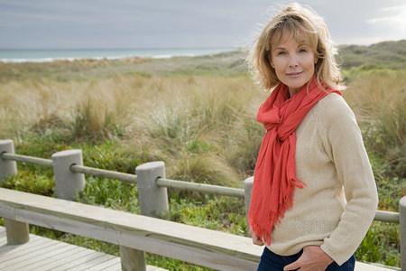 sweatshirt: Woman at the coast